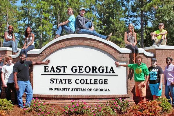 Những đại học không từ chối sinh viên nào, nhưng chỉ cho 10% ra trường