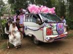 Chú rể Nghệ An dùng xe tải rước dâu gây tranh cãi