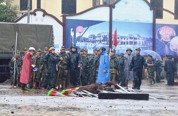 Hội An tất bật dọn bùn đón phu nhân, phu quân lãnh đạo APEC - 1