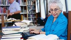 Có được thuê lao động đã 75 tuổi?