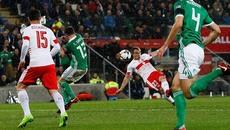 Trọng tài mờ mắt, Thụy Sỹ thắng tranh cãi Bắc Ireland