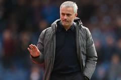 Mourinho ở lại MU, Chelsea tậu Vardy và Barkley