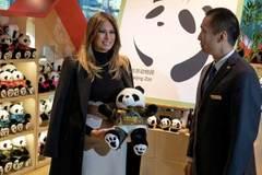 Video bà Trump thăm cặp gấu trúc nổi tiếng thế giới