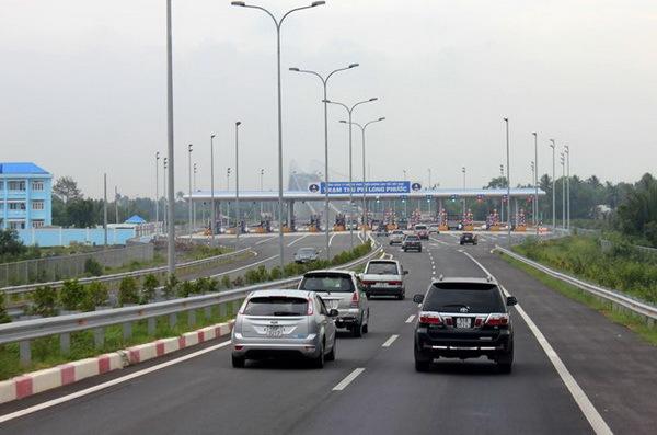 Kinh nghiệm cần biết khi lái xe trên cao tốc
