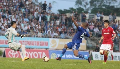 Quảng Nam 0-0 Than Quảng Ninh phút thứ 8