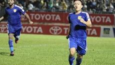 Thắng nghẹt thở Quảng Ninh, Quảng Nam tiến gần ngôi vô địch
