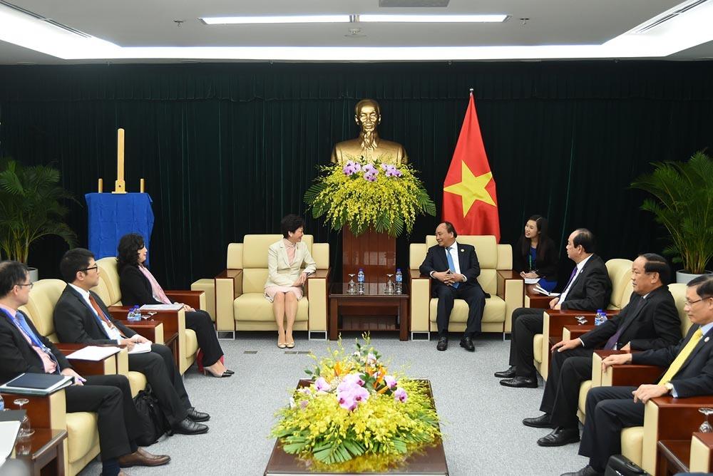 Thủ tướng tiếp Trưởng Đặc khu Hongkong và GĐ điều hành IMF