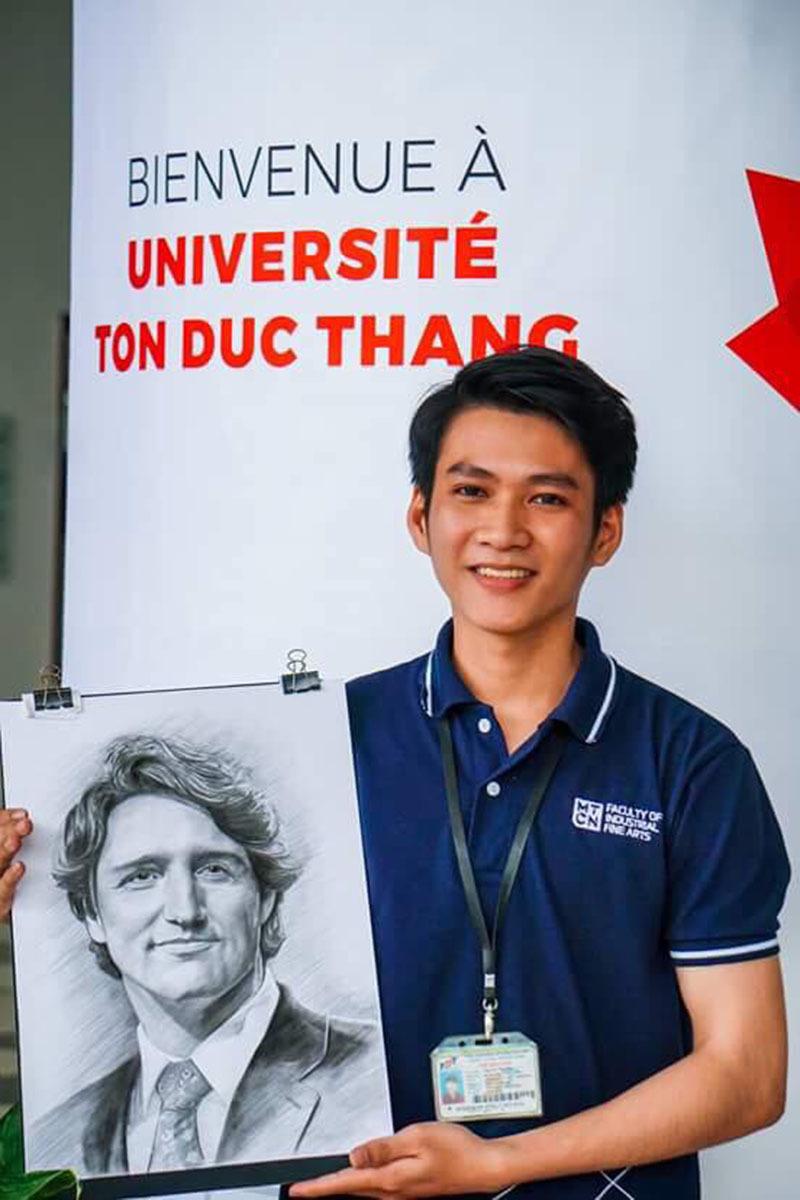 thu tuong canada nhan tan tay buc tranh chi cua nam sinh 9x - Bức vẽ của 9x Quảng Ngãi được chuyển tận tay Thủ tướng Canada