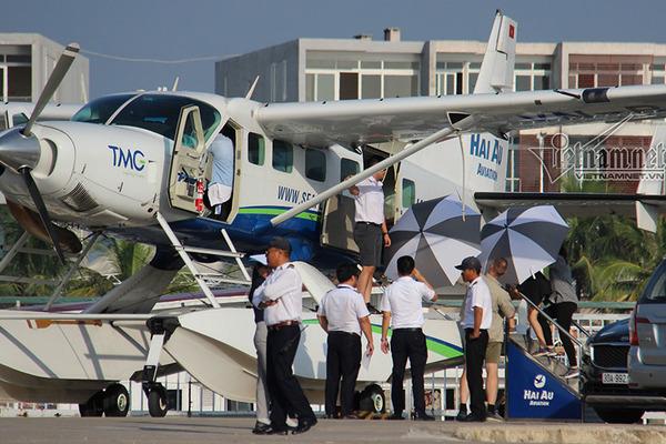 'Nữ tướng' Facebook thăm vịnh Hạ Long, về Hà Nội bằng thủy phi cơ