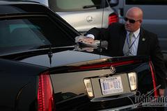 Mật vụ Mỹ lau 'Quái thú' bóng loáng chở Tổng thống Donald Trump