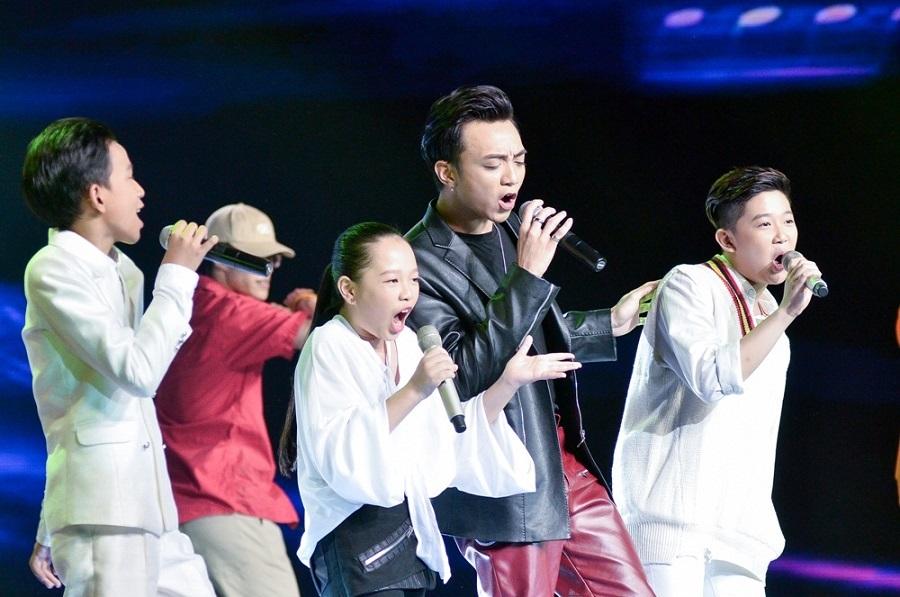 Soobin Hoàng Sơn 'nổi da gà' vì giọng hát của Hương Tràm