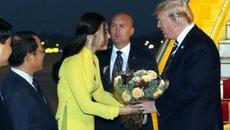 Nữ sinh xinh đẹp tặng hoa Tổng thống Mỹ Donald Trump là ai?