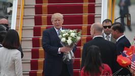 Tổng thống Trump rời Hà Nội, kết thúc chuyến thăm Việt Nam