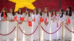 Nữ sinh Hà Nội rạng rỡ trong tà áo dài đón Chủ tịch Trung Quốc
