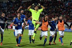 Lượt về play-off World Cup 2018: Italia, đừng để Buffon phải khóc...