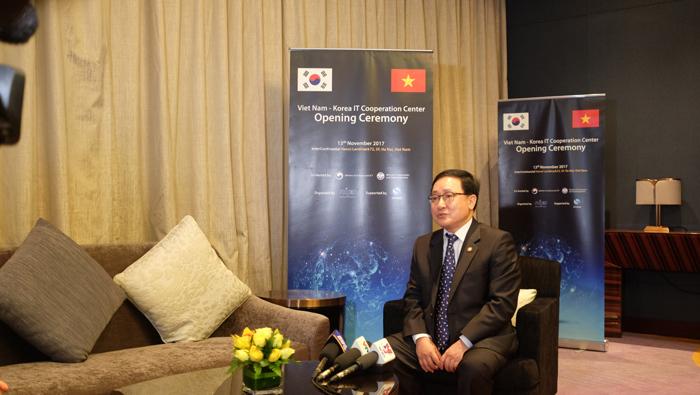 Khai trương trung tâm hợp tác CNTT Việt - Hàn tại Hà Nội
