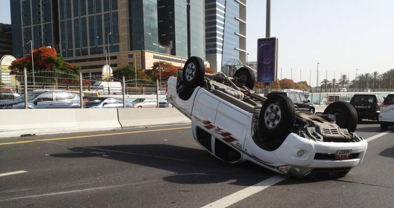 Đừng chủ quan, ô tô rất dễ bị lật