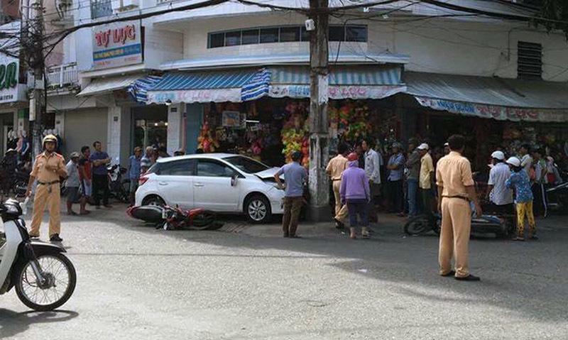 Công an lên tiếng vụ cán bộ lái ôtô vi phạm tông 7 xe máy - ảnh 2