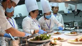 Nữ nghệ nhân tiết lộ bí quyết chọn món thết đãi lãnh đạo APEC