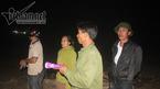 Đốt lửa thâu đêm tìm 2 học sinh đuối nước ở biển Thiên Cầm