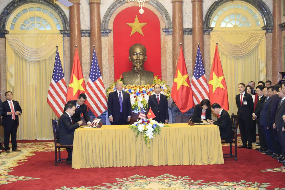 Tổng thống Mỹ Donald Trump,APEC,ký hợp đồng