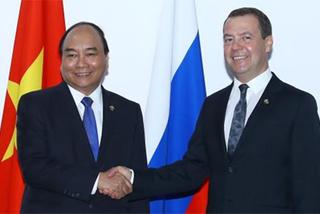 Thủ tướng Nguyễn Xuân Phúc gặp gỡ Thủ tướng Nga và Tổng thống Philippines