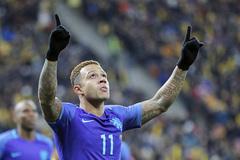"""Cựu sao MU tỏa sáng, Hà Lan đại thắng """"ba sao"""""""