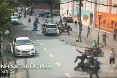 Bắt băng nhóm đá xế dùng hung khí tấn công cảnh sát - ảnh 1