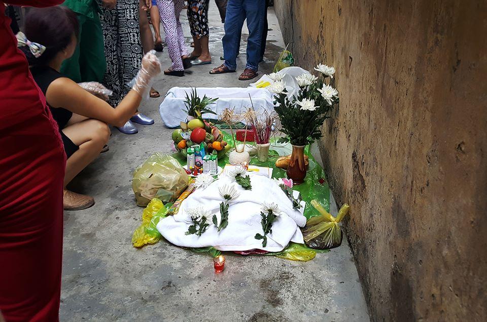 Bé trai sơ sinh nặng 4kg tử vong trong nhà chứa rác - ảnh 2