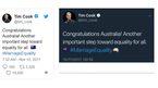 CEO Apple gặp sự cố đỏ mặt trên Twitter