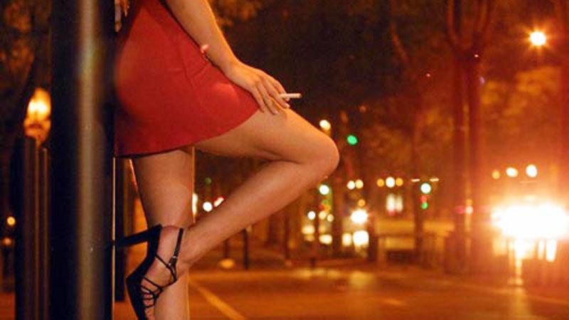 Hà Nội: Bắt 'tú bà' môi giới mại dâm giá ngàn đô