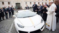 Ngắm siêu xe Giáo hoàng vừa được tặng