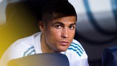 "Mourinho lo MU hỏng ăn, Real ""bỏ phiếu"" bán Ronaldo"