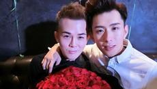 Màn cầu hôn của hai trai đẹp khiến bất cứ ai cũng ao ước được trải qua một lần trong đời