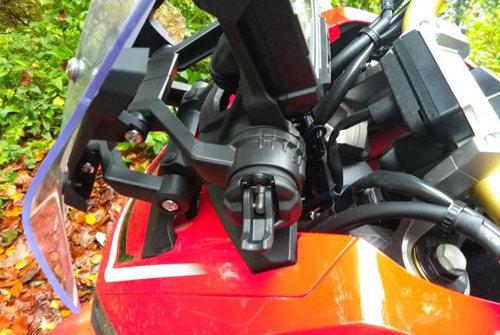 Honda X-ADV đọ sức Yamaha TMAX: Kỳ phùng địch thủ