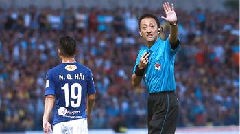 """V-League 2017: """"Vua"""" thất thủ sân nhà, nỗi đau khó nguôi"""