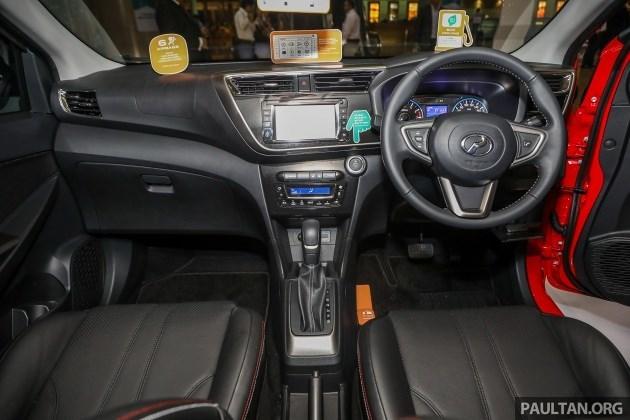 Ô tô Malaysia, máy Toyota hơn 200 triệu: 5.000 người xếp hàng mua