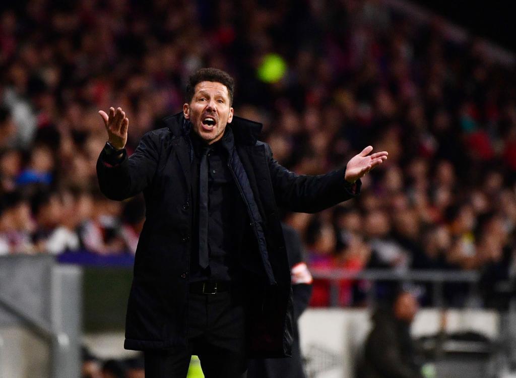 MU hãy trảm Mourinho, Conte cùng Hazard 'đào tẩu' sang Real