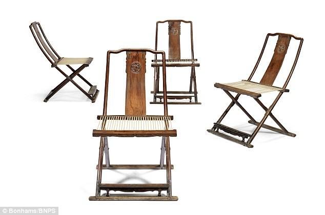 Bộ ghế gỗ sưa 300 năm tuổi giá 160 tỷ đồng