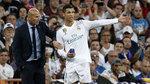 """Real Madrid loạn: Zidane rối trong """"cái bẫy"""" của Ronaldo"""