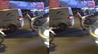 Cảnh sát giao thông đẩy xe ô tô chết máy giữa đường gây xúc động