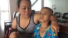 Mẹ nước mắt giàn giụa bất lực xin cứu con ung thư xương
