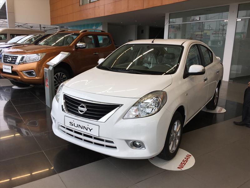 Toyota Vios,Nissan Sunny,ô tô Nissan,ô tô giảm giá,giá ô tô,ô tô Nhật,ô tô giá rẻ