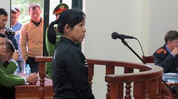 Người phụ nữ ôm bình gas, cố thủ trong nhà dọa tự thiêu