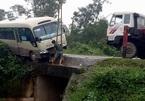 Hơn 10 người khóc thét trong xe khách biến dạngở Sài Gòn - ảnh 6