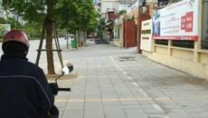Hà Nội: Vỉa hè lát đá độ bền 70 năm mới dùng vài tháng đã xuống cấp