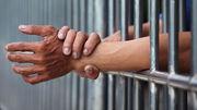 Tử tù tiêm thuốc độc và truyền thông tự đầu độc mình
