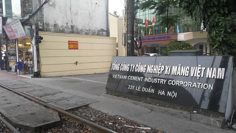 Bộ Tài chính điểm mặt tòa nhà 2.700 tỷ bỏ hoang của VICEM