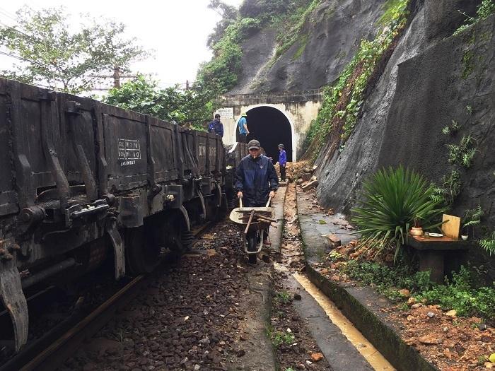 lở núi,đèo Hải Vân,đường sắt,Đà Nẵng