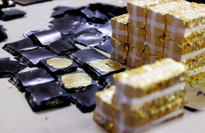 Đi tìm bí mật của đàn ông Kiêu Kỵ đập hơn 1400 nhát búa mỗi giờ làm vàng quỳ